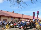 Arizona Public Service, Clowning around!